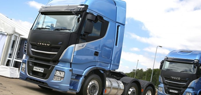 IVECO Launches First Pure Gas Powered 6x2 Tractor Unit For 44-Tonne Operation.