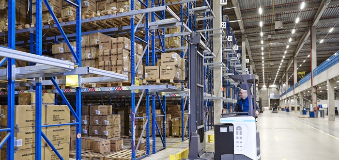 Flexible Logistics For Millions Of Shoes.